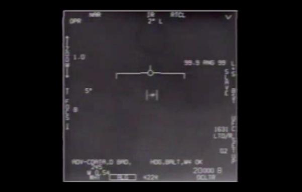 Pentagon frigiver videoer af UFOér
