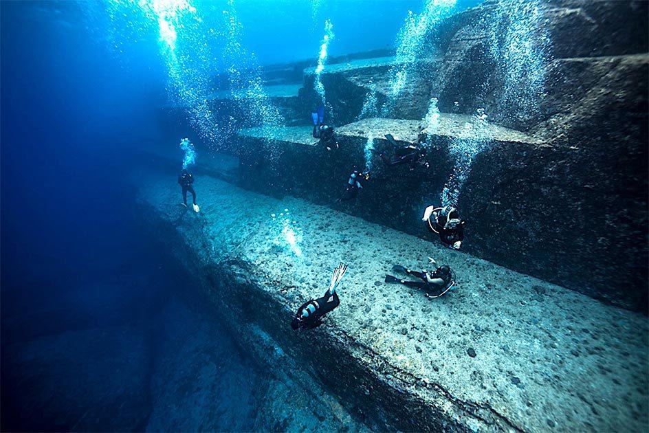 Mystiske 10.000 år gamle undervandsruiner i Japan